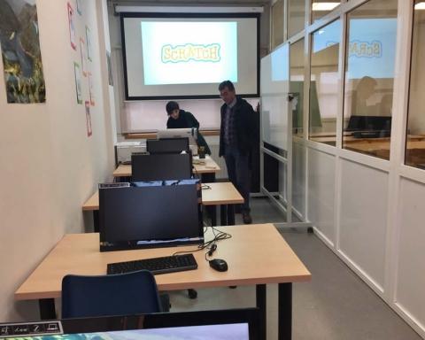 A nova aula de informática de Sober entrou en servizo o 2 de xaneiro. (Foto cedida).